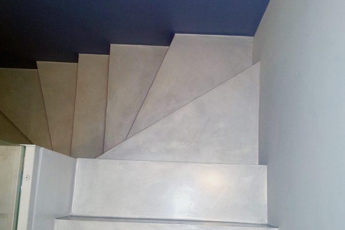 Scale realizzate con resina spatolata e decorata Milano e Genova